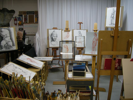 Drawing, painting and sculpting workshops.